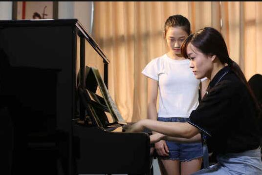 音乐名校竞争大,哪类艺考培训学...