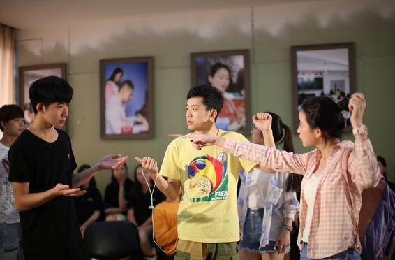 河南表演艺考培训学校怎么选?