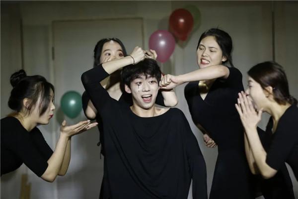 天籁白匣子剧场《童去》精彩上演...