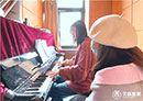 音乐歌手和钢琴大赛