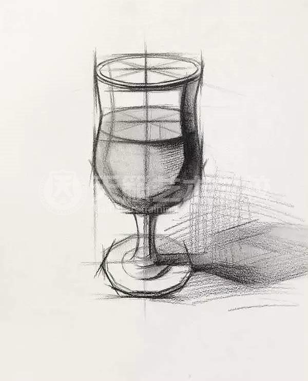 带盖杯子结构素描