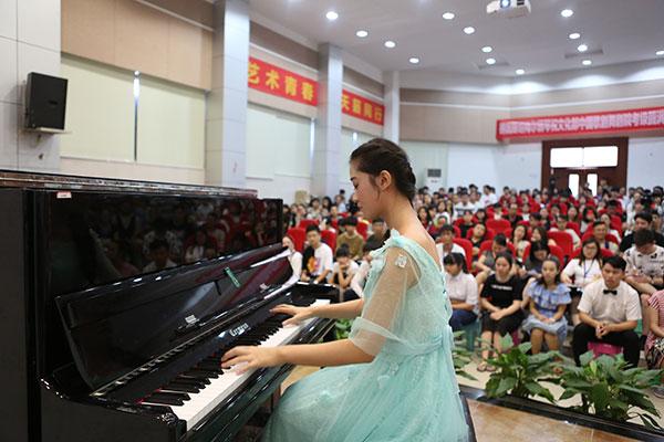 天籁音乐专业学生表演