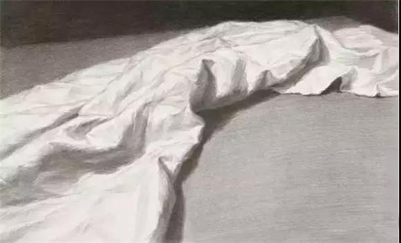 静物中都有用到衬布表现的素描理论,静物作品中少不了用衬布做黑白灰