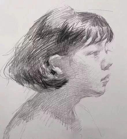 素描头像步骤图:二分之一女青年侧面