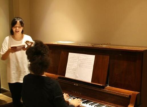 成都有什么好的學聲樂的機構_聲樂課程_價格_報名