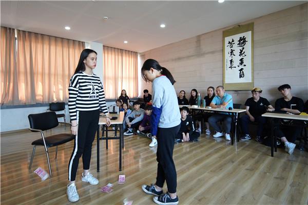 天籁表演专业课堂练习