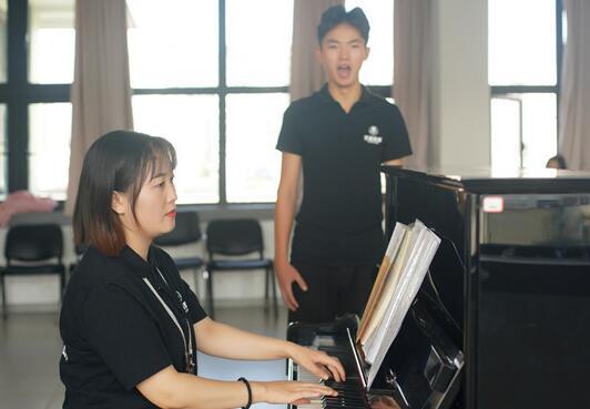 成都好的声乐培训机构有哪些_声乐课程_价格_报名
