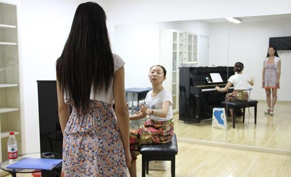 广州好的声乐教授_领取最新声乐课程试听券